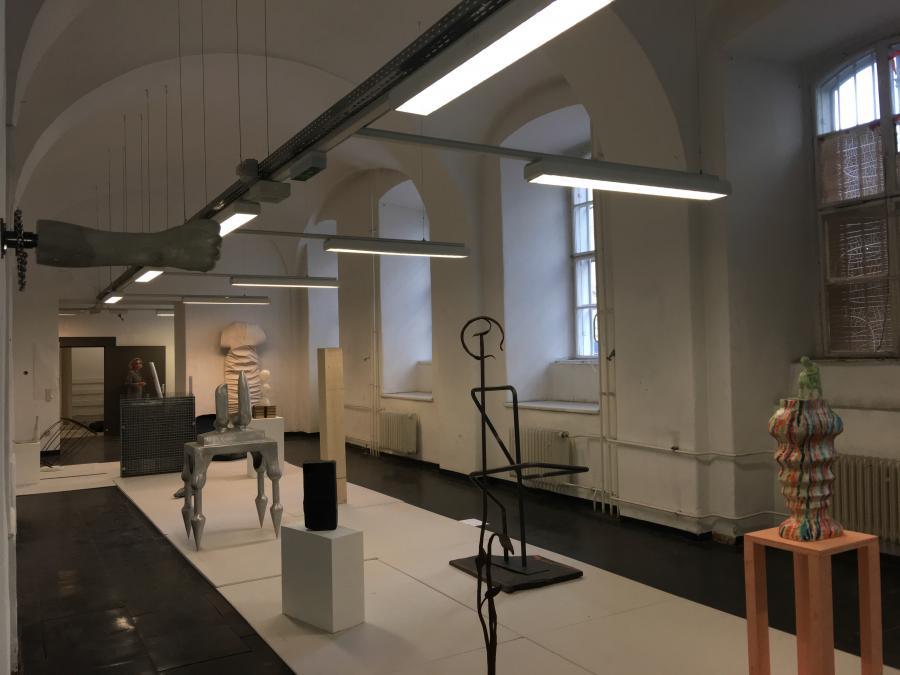 Skulptur - Parcours   Wiener Art Foundation @ Parallel   Ausstellungsansicht