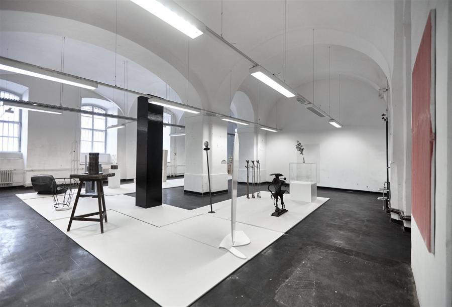 SkulpturParcours   Ausstellungsansicht   WAF @ Parallel