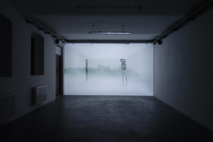 Installationsansicht The Cube ANDREA BOŽIĆ & JULIA WILLMS im Kunstraum am Schauplatz