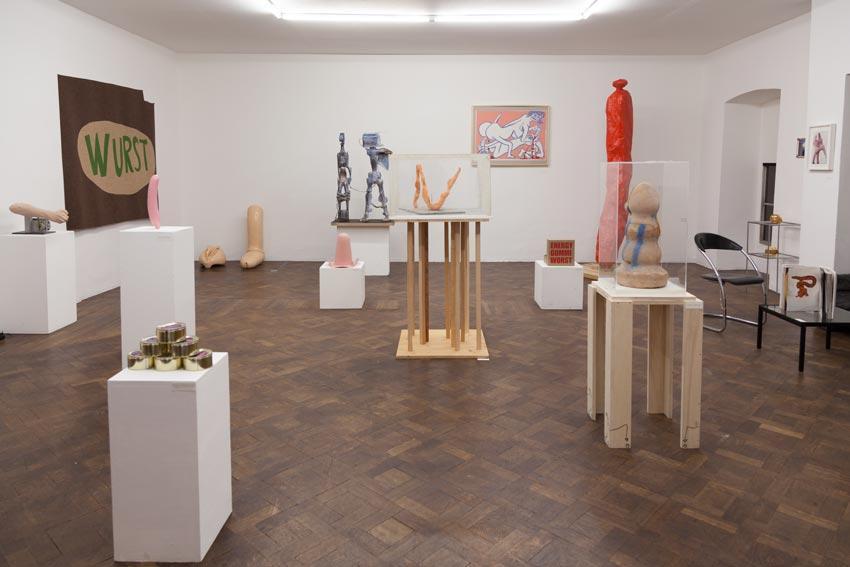 Postwest 1 - Wurst Wust West, Installationsansicht Büro Weltausstellung, Foto Björn Segschneider, 2014
